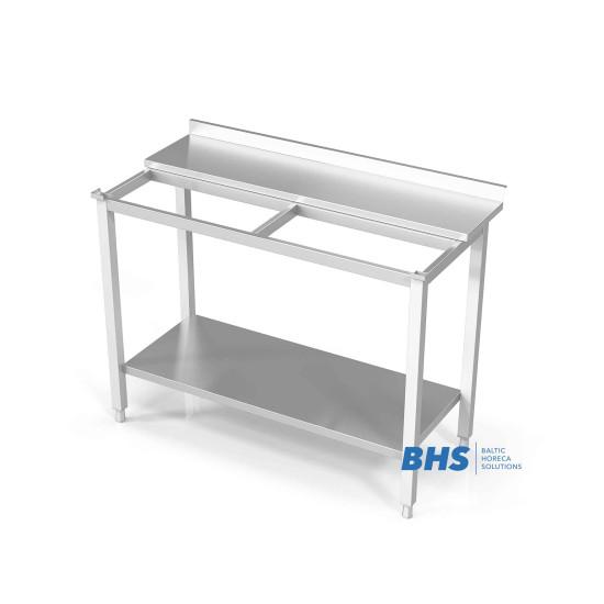 Stalas su vieta pjaustyti lentą ir lentyną